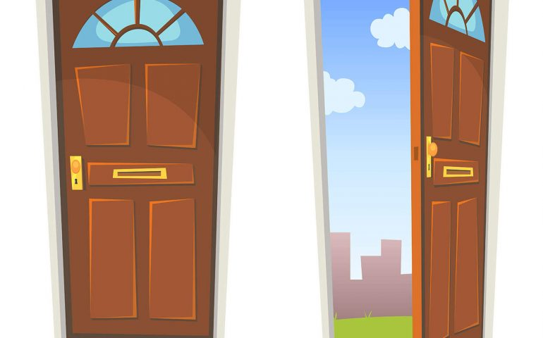két ajtó új esély